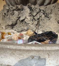 """Una delle conche di Porta Vicari, via Maqueda angolo corso Tukory (""""Viste da lontano"""")"""