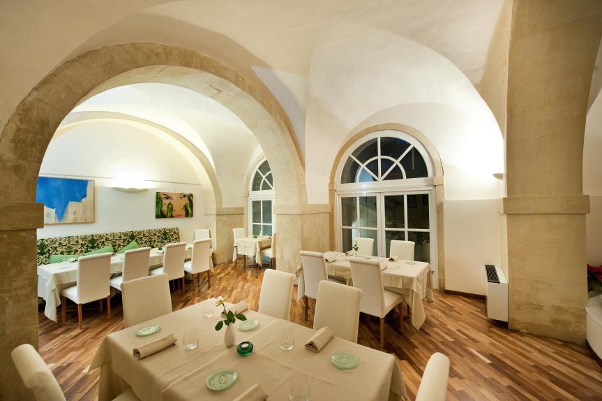 La sala del ristorante Fattoria delle Torri di Modica
