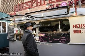 Kosslick Dieter zu Besuch beim Street Food.